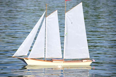 How Much To Build A Pool >> rc sailboats, remote control model sailboat, radio control ...