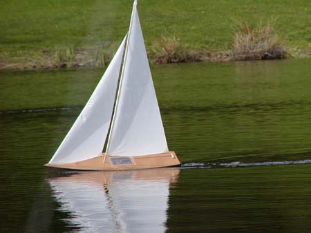 radio control model sailboat t37 rc pond yacht radio control sailboat radio control pond boat ...